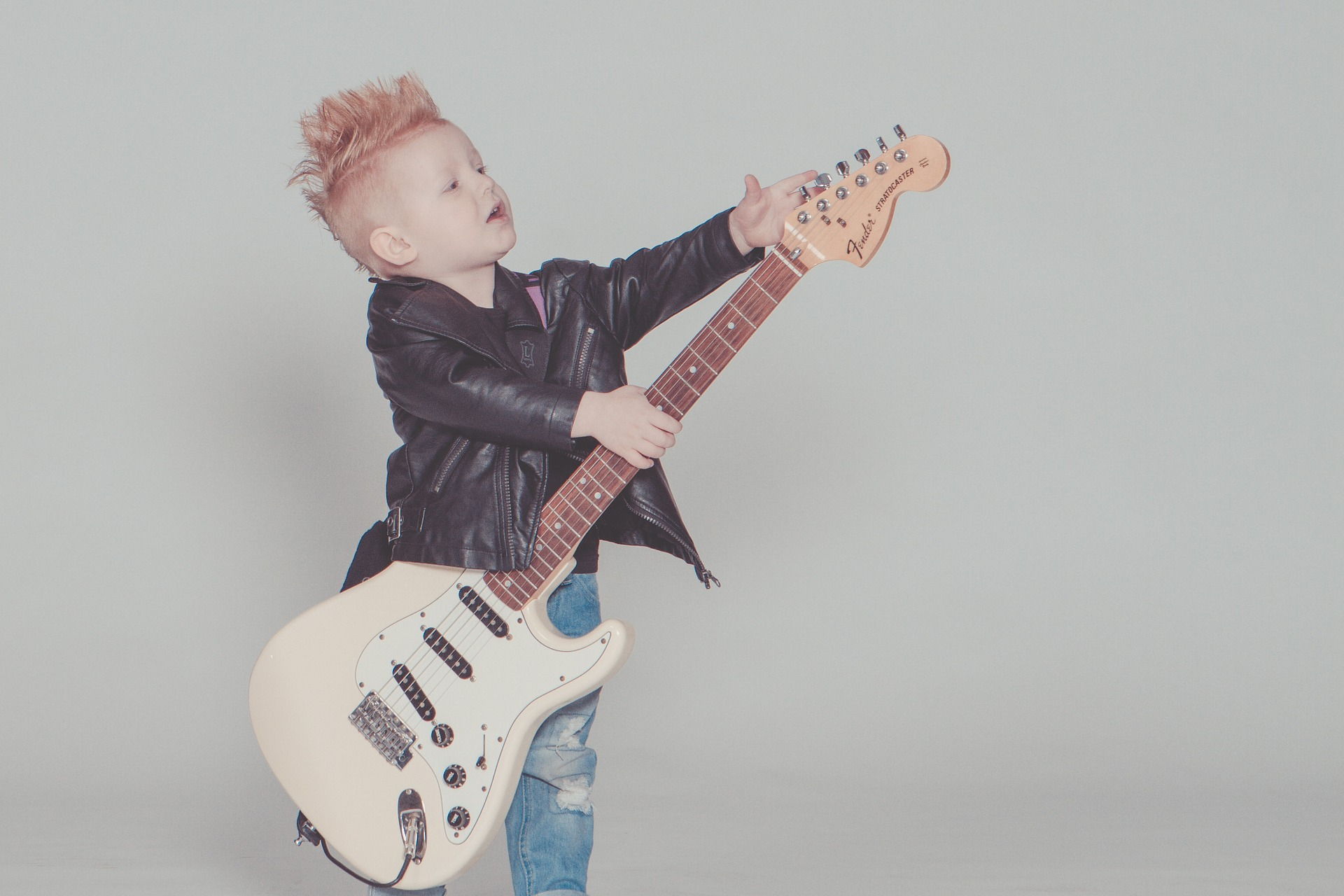 Recommended Electric Guitars for Home Practice (Kid's Edition)